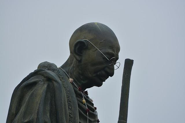 Juhász Gyula: Gandhi