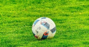 Katolikus pappal erősített a focicsapat