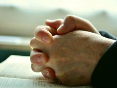 Az Istenhez a szív egyszerűen benyit. Az ész és szellem sokáig vár, míg beengedik. (Angelus Silesius)