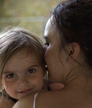 """A """"ráerőszakolt"""" anyai boldogság. Nem mindenki édesanya."""