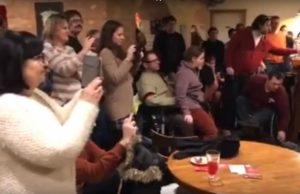 Kétéves a Nem Adom Fel Cafe & Bar! – Böjte Csaba gyermekeinek köszöntője