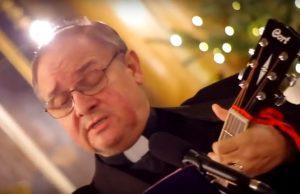 Szarvas Péter atya szerzői estje – zenés beszélgetés