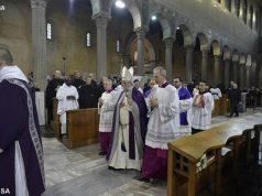 Ferenc pápa hamvazószerdai homíliája: Állj meg, nézz és térj vissza!