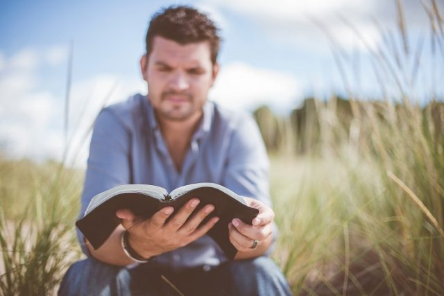 Téves a tízparancsolat fordítása?