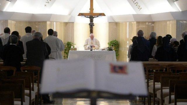 Ferenc pápa: Veszélyes szóba állni az ördöggel