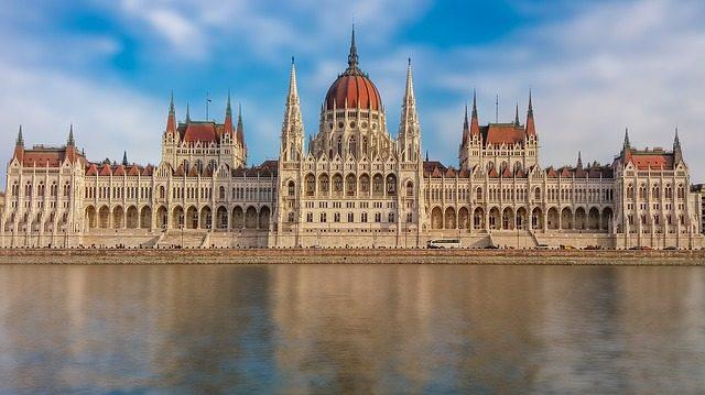 A keresztény kultúra védelme is bekerülhet az alaptörvénybe