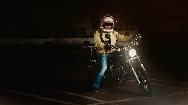 Magányos motoros