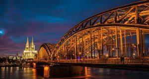 Félmillióval csökkent a keresztények száma Németországban