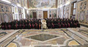 Ne parancsolgató urak legyetek – Ferenc pápa beszéde a püspökökhöz