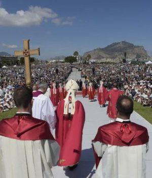 Ferenc pápa: Aki hisz Istenben, nem lehet maffiózó