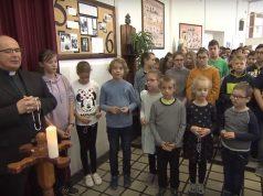 Egymillió gyermek imádkozta a rózsafüzért