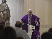Ferenc pápa: Teremtsünk békét a lelkünkben, a családban és a világban