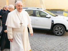 Pápamobilt kapott Ferenc pápa
