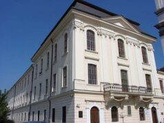 A patinás egyetemi épület Nagyszombatban