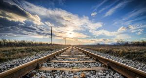 Kosztolányi Dezső – Mint aki a sínek közé esett