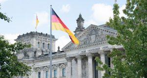 Megtámadtak egy férfit Berlinben, mert kereszt volt a nyakában