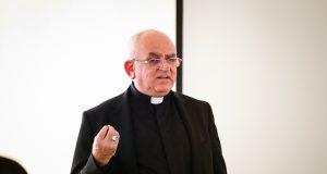 """Varga László püspök: """"Ami a legszebbé teszi az életet, az a bizalom!"""""""