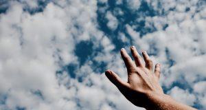 Kinyújtotta a kezét – elmélkedés évközi 6. vasárnapra