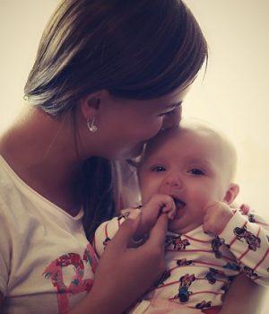 Fiatal anya imája
